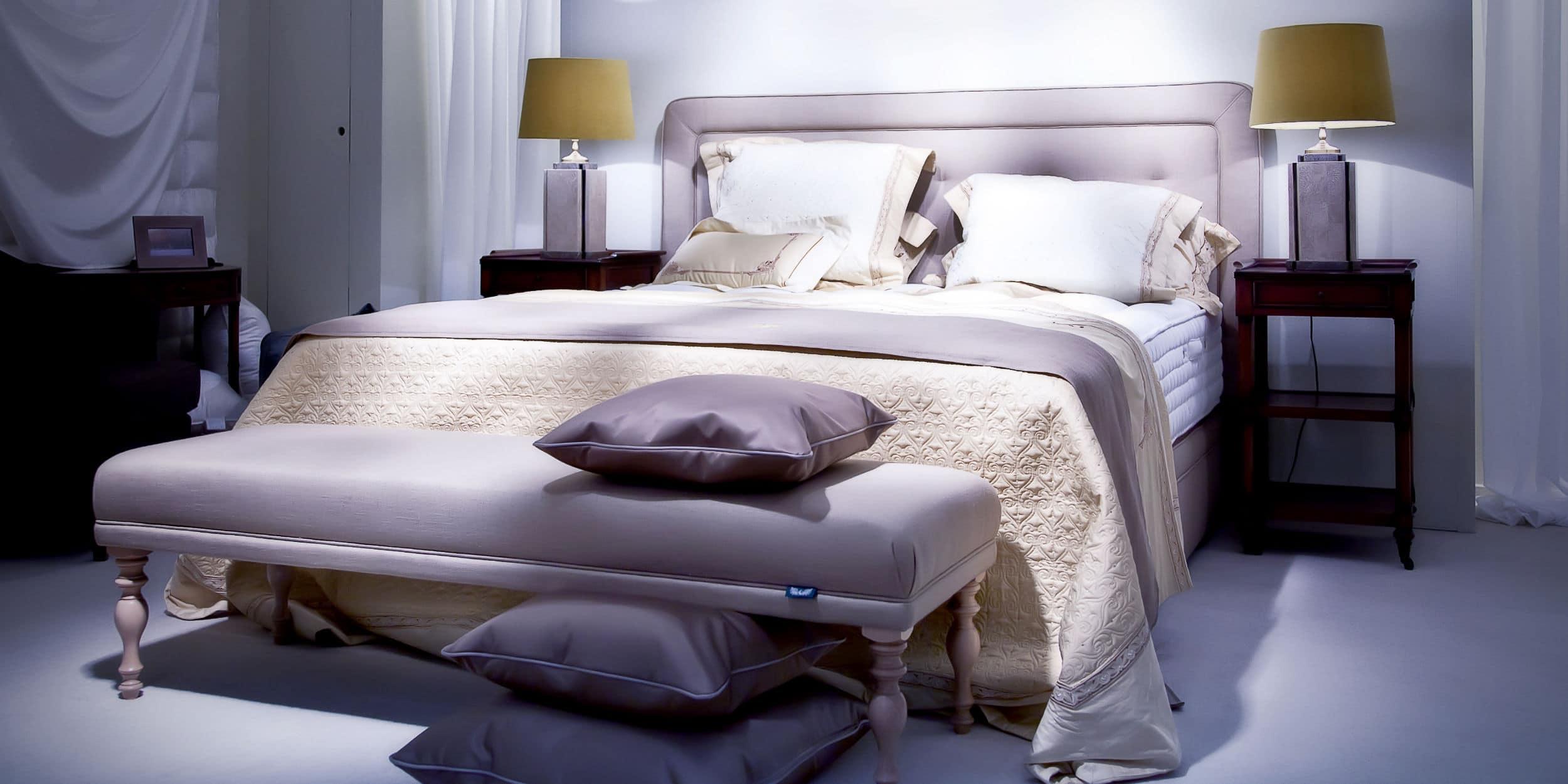 grijze gietvloer slaapkamer