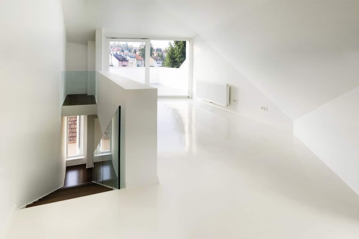 Welke Gietvloer Badkamer : Gietvloer over bestaande vloer: voordelen geschikte ondergronden
