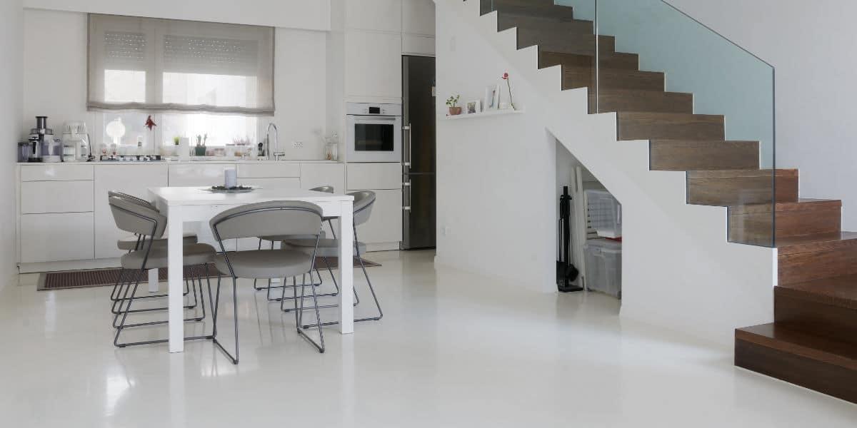 witte keuken gietvloer